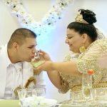 """""""Ασήμωσαν"""" τσιγγάνα νύφη με 200.000 ευρώ σε 500ευρά"""