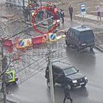Σε στάση λεωφορείου στη Ρωσσία άνοιξε το έδαφος